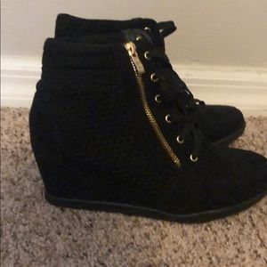 Black wedges! Barely used